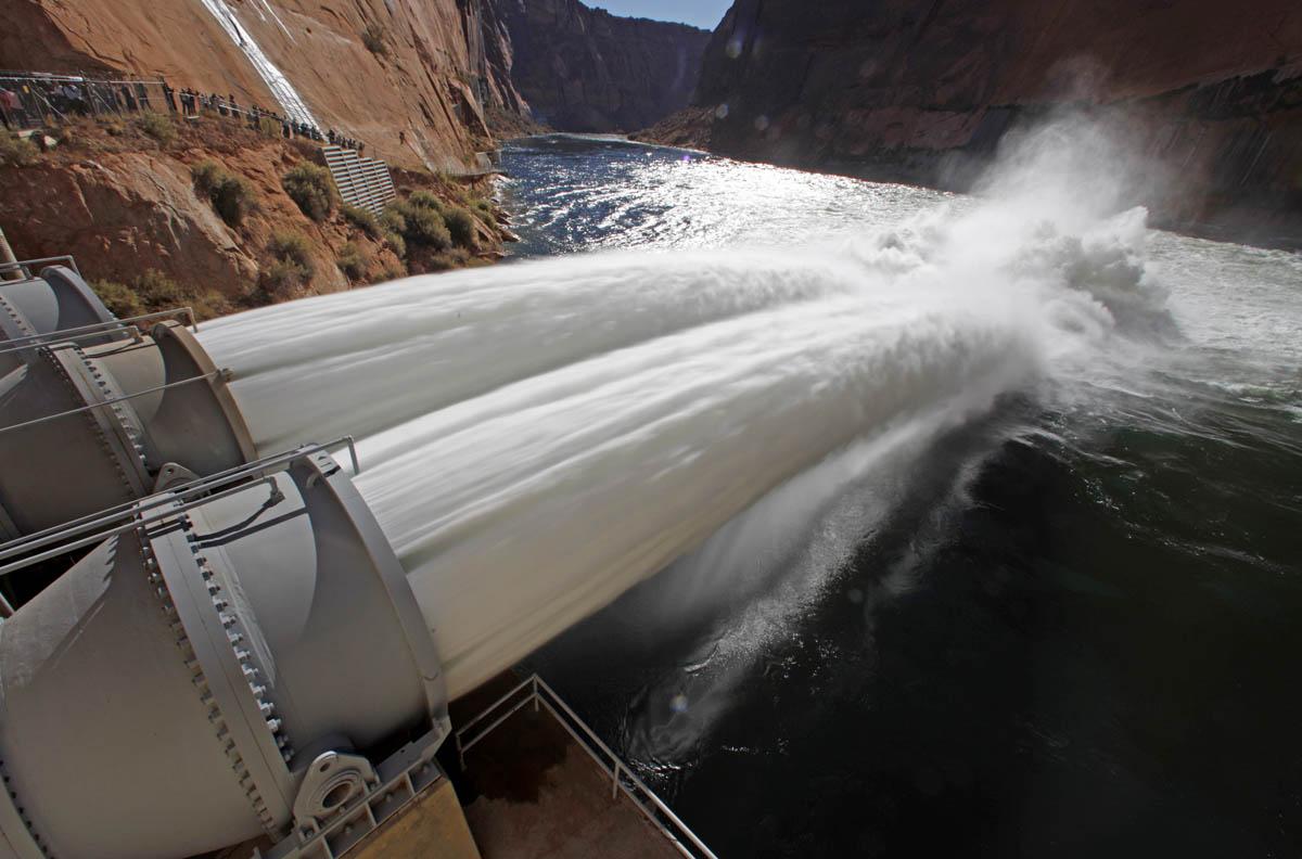 Động cơ nào để Trung Quốc phát triển thủy điện quy mô lớn?