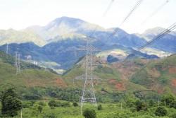 Công suất truyền tải điện từ miền Trung vào Nam tăng cao