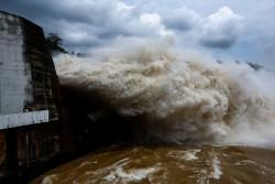 Mực nước các hồ thủy điện trên sông Hồng đang ở mức cao