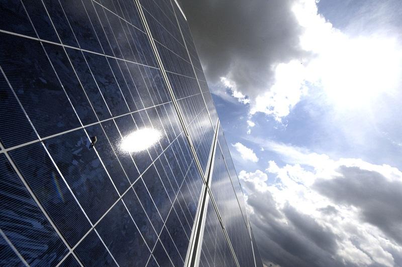 Hướng dòng vốn tín dụng vào các dự án năng lượng sạch