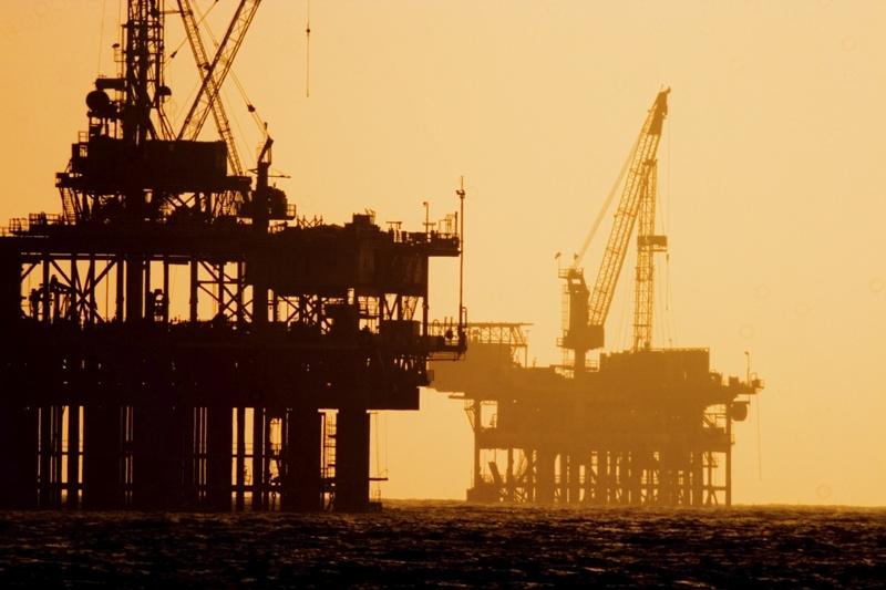 Giá dầu giảm, thu ngân sách 2015 vẫn theo kế hoạch