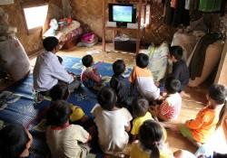 Điện về, đồng bào Khmer vui như hội