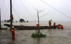Bộ Công Thương biểu dương ngành điện khắc phục bão số 10