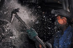 Lần đầu tiên TKV điều chỉnh giảm sản lượng than