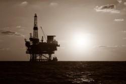 Tác động 'hai chiều' của giá dầu tới kinh tế VN - Kỳ 2: Tích cực và tiêu cực