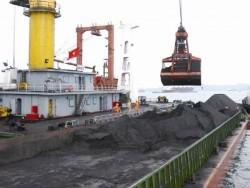 Phấn đấu tiêu thụ 8 triệu tấn than trong 2 tháng cuối năm