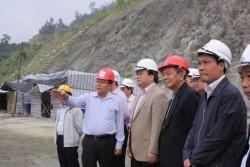 Phó Thủ tướng giao ban trên công trường TĐ Lai Châu