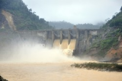 Báo cáo chi tiết việc xả lũ tại các hồ thủy điện miền Trung