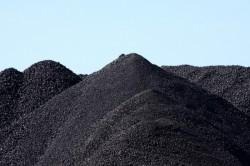 Tiếp nhận những tấn than đầu tiên cho Nhiệt điện Duyên Hải 3