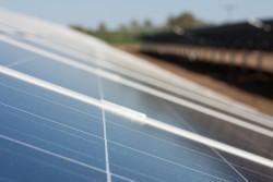 Điện mặt trời đã rẻ hơn điện truyền thống?