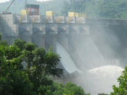 Thủy điện Sông Tranh 2 bắt đầu xả nước qua tràn