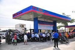 PV OIL tri ân khách hàng trên toàn quốc