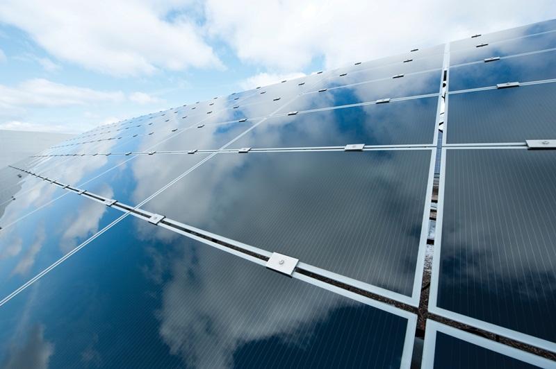 Điện mặt trời Trung Quốc (Bài học thứ nhất): Kiến tạo của Chính phủ