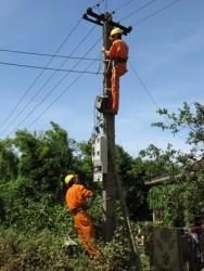 Đảm bảo vận hành an toàn lưới điện hạ áp nông thôn: Cần sự tham gia tích cực của người dân