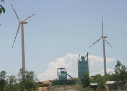 Nhà máy phong điện lớn nhất Đông Nam Á đi vào hoạt động