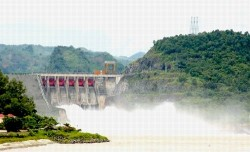 Vận hành hệ thống cảnh báo lũ vùng hạ du trước 15/6/2012
