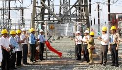 Công ty Truyền tải điện 4: Gắn biển công trình tại Trạm biến áp 500 kV Tân Định