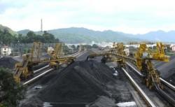 Vinacomin kiến nghị tăng giá than để bù đắp chi phí sản xuất
