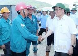 Chủ tịch Quốc hội Nguyễn Sinh Hùng kiểm tra tiến độ Nhà máy Nhiệt điện Vũng Áng 1