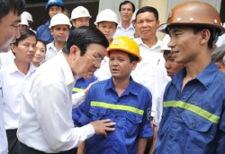 Chủ tịch nước với thợ mỏ anh hùng