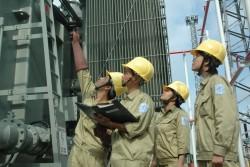 Việt Nam làm chủ công nghệ bảo dưỡng máy biến áp 500kV