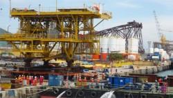 Hạ thủy thành công giàn đầu giếng 1.800 tấn