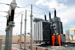 EVN SPC: Giải pháp cung cấp điện ổn định những tháng cao điểm mùa khô trong năm 2012.