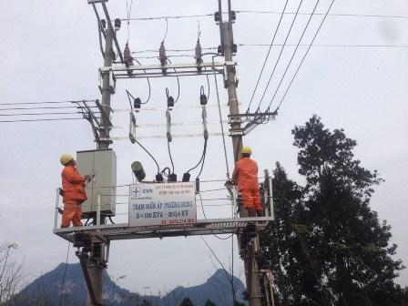 Thêm nhiều đồng bào dân tộc ở Tuyên Quang có điện đón tết