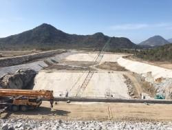 Gấp rút hoàn thành Cụm công trình cửa xả Thủy điện Tích năng Bác Ái