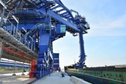 Nhiệt điện Sông Hậu 1 tiếp nhận những tấn than đầu tiên