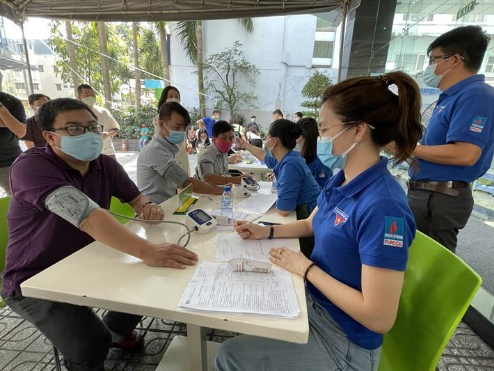 Ấm áp tình người Dầu khí trong ngày hội hiến máu tại PVFCCo
