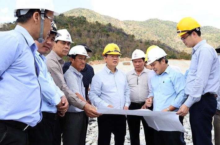 Nghiệm thu hạng mục Cụm công trình cửa xả Thủy điện Tích năng Bác Ái