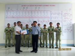 Công đoàn NPT thăm hỏi, tặng quà công nhân lao động