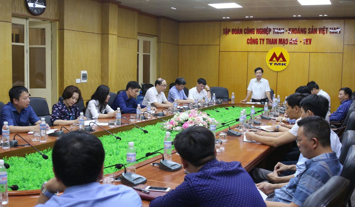 Than Mạo Khê tọa đàm chào mừng Ngày Pháp luật Việt Nam