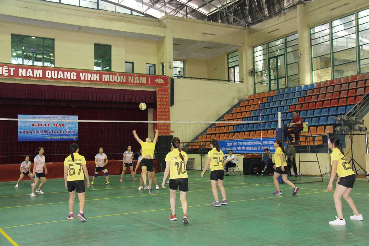 Than Mông Dương khai mạc Giải Bóng chuyền nam, nữ năm 2020