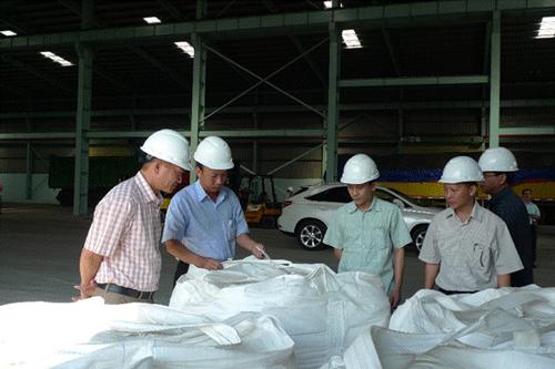 Thị sát kho chứa và công tác kiểm tra, lấy mẫu Alumina tại Cảng Gò Dầu