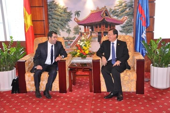 Petrovietnam thúc đẩy hợp tác dầu khí với Azerbaijan