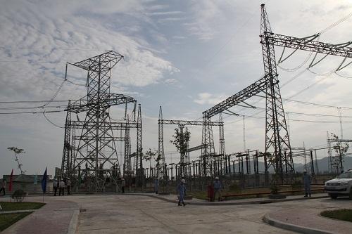 Đóng điện sân phân phối 500kV Trung tâm điện lực Vũng Áng