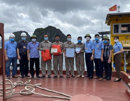 Công ty Kho vận và Cảng Cẩm Phả-Vinacomin: Dấu ấn Tháng 5