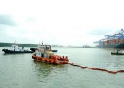 KVT diễn tập tình huống an ninh cảng biển và ứng phó sự cố tràn dầu