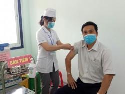 Hơn 70% CBCNV ngành điện Kon Tum đã được tiêm vắc xin phòng Covid-19
