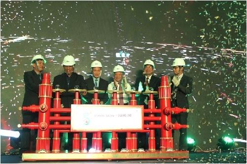 Đón dòng dầu đầu tiên từ mỏ Thăng Long - Đông Đô