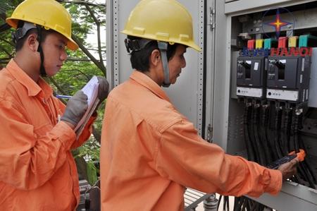 EVN HANOI khắc phục xong sự cố do vi phạm hành lang lưới điện