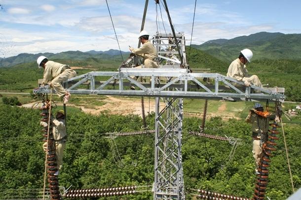 Truyền tải điện 2: Nhiều giải pháp nhằm giảm sự cố lưới điện