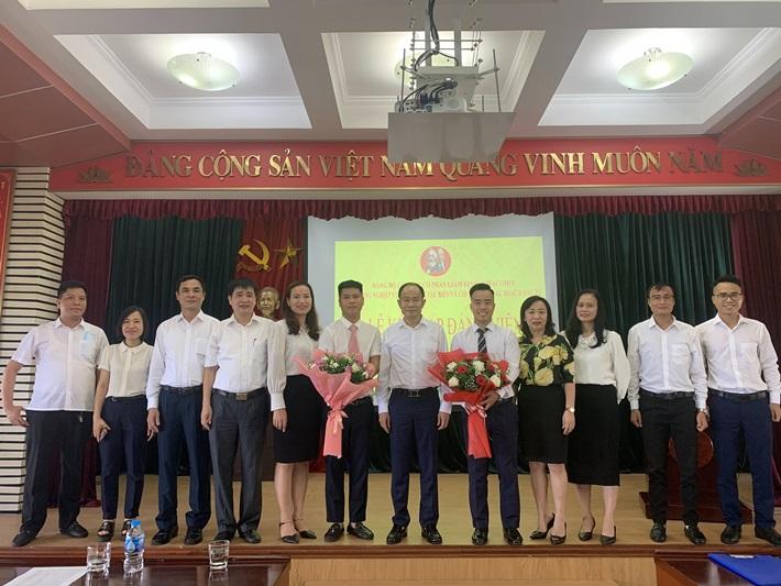 Đảng bộ Công ty CP Giám định - Vinacomin kết nạp đảng viên mới