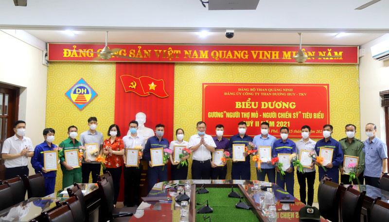 """Đảng ủy Than Dương Huy tuyên dương """"Người thợ mỏ - Người chiến sỹ"""" tiêu biểu"""