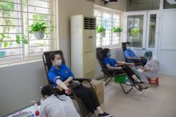 Đoàn Thanh niên Than Nam Mẫu tham gia hiến máu tình nguyện