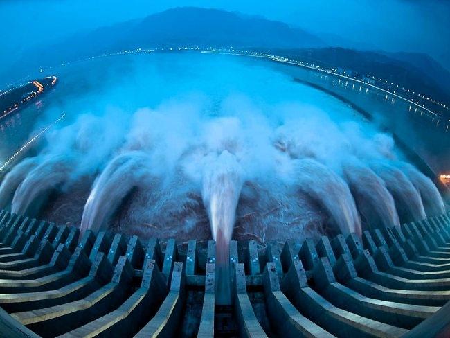 """Nhật ký Năng lượng: An toàn thủy điện, """"làm lồng sắt nhốt hổ dữ"""""""