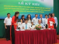 Vinacomin bàn giao CMF cho VP Bank