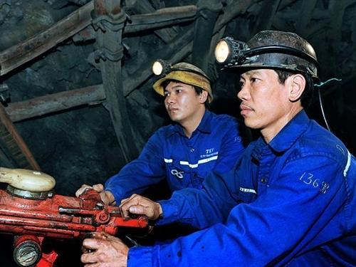 Than Quang Hanh phấn đấu nâng cao thu nhập cho người lao động